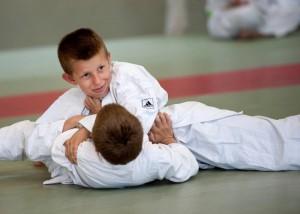 Combat Jeune